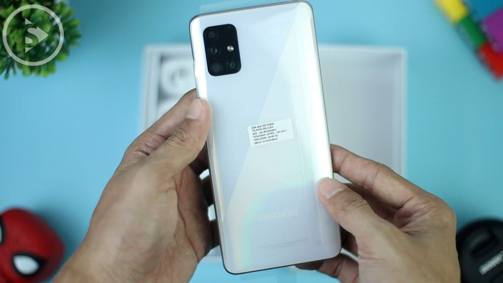 Case Belakang Samsung A51 Putih - Unboxing Samsung Galaxy A51 Indonesia Putih (Prism Crush White) 2020 - Perbedaan Galaxy A51 Vs A50s