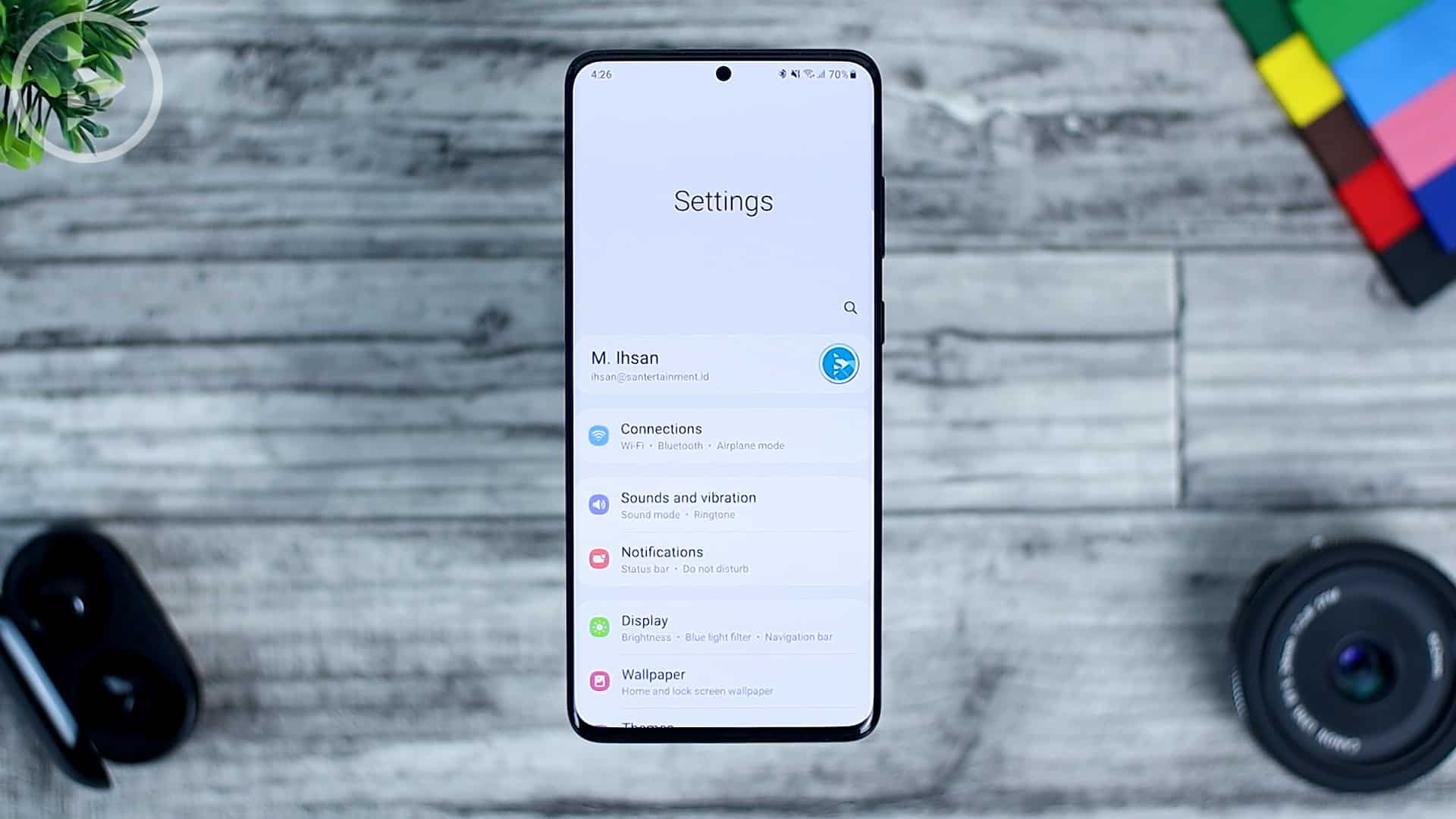 25 Fitur Baru di One UI 3.0 Dengan Android 11 - New Setting Design with Icon and Email
