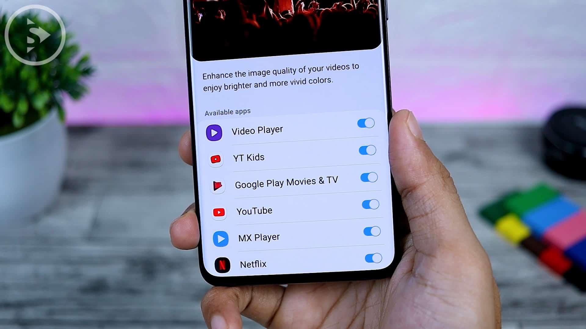 25 Fitur Baru di One UI 3.0 Dengan Android 11 - Video Enhancer on Certain App Only