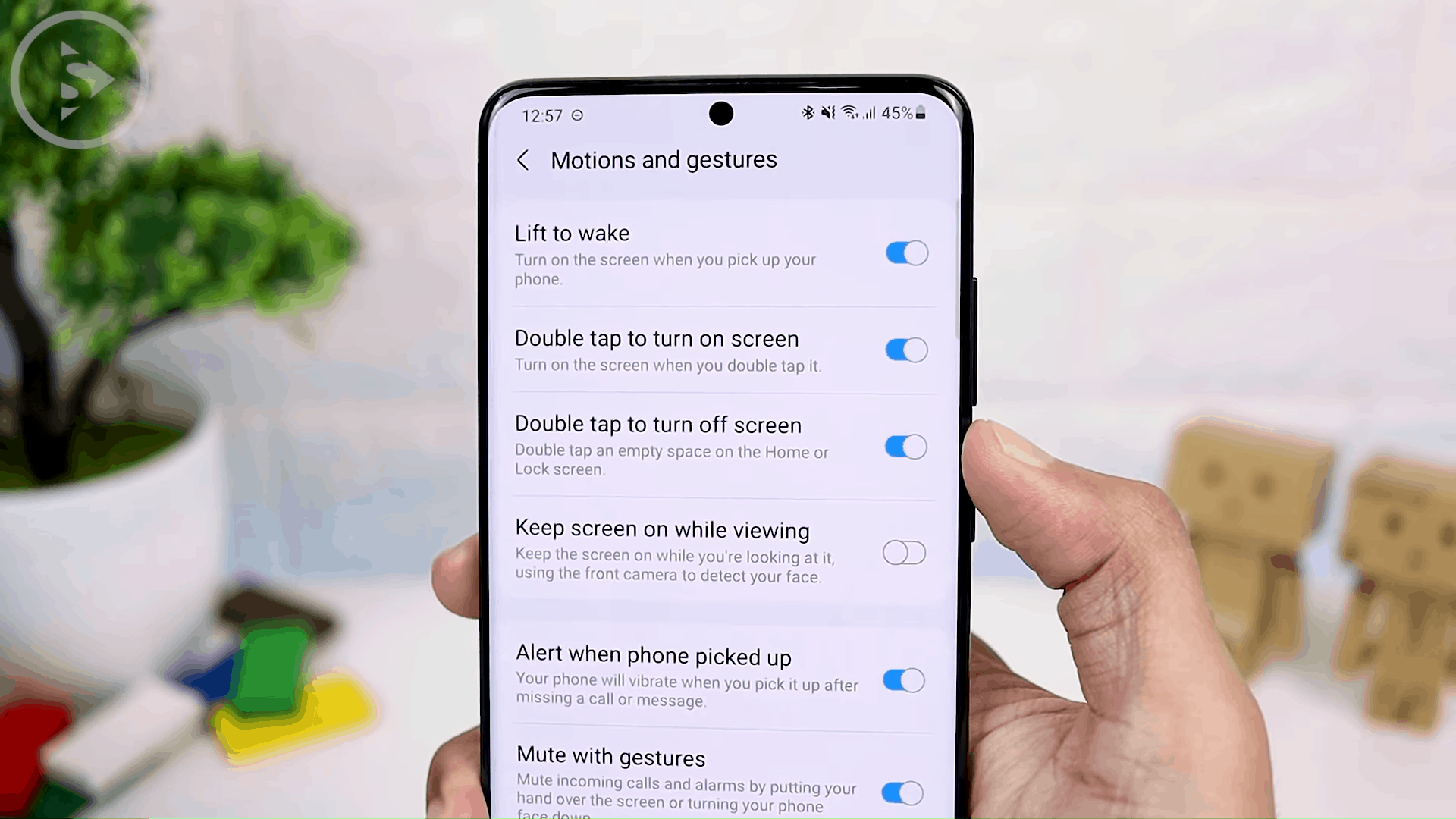 Double Tap to Lock (One UI 3.0 Only)